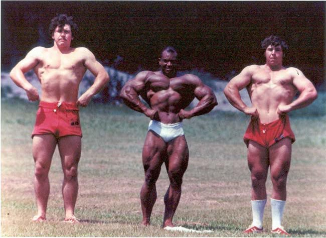 sergio oliva and football players