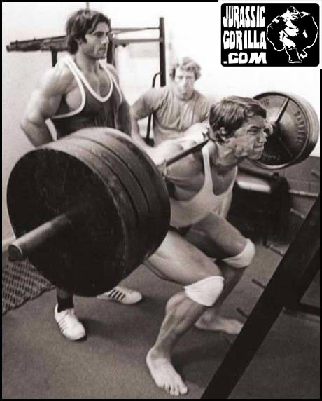 5'2″ Franco Columbo spots Arnold Schwarzenegger on Squats.