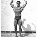 Steve Reeves demonstrates serratus pose.
