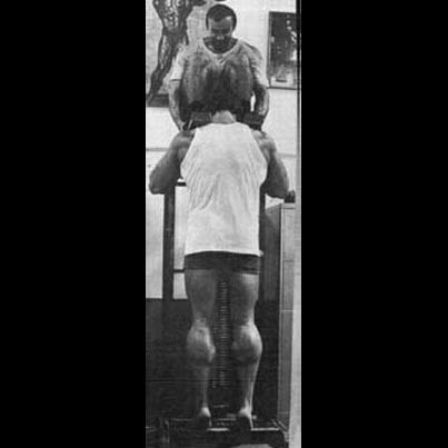 Arnold Schwarzenegger trains calves